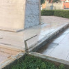 """La """"foto del giorno"""": """"continua la lenta ma inesorabile distruzione del monumento ai Caduti"""""""