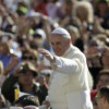 """Il Papa a Scalfari: così cambierò la Chiesa. """"I giovani senza lavoro uno dei mali del mondo"""""""
