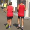 """Luca Quarta (Action Running di Monteroni) vince la 33ª Salento Half Marathon. """"Lo sport unisce"""": in gara anche un diversamente abile """"legato"""" alla moglie"""