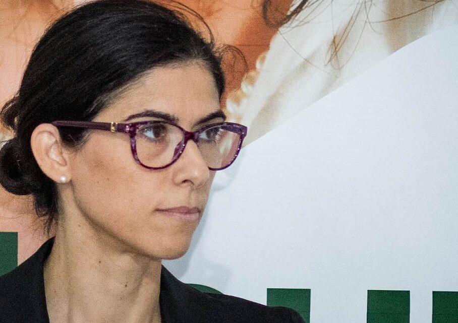"""""""Turiamoci il naso e votiamo…"""" Laura Manta sindaco per archiviare il disastroso ventennio Perrone-Menozzi!"""