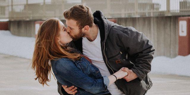 Il 6 luglio giornata mondiale del bacio i benefici per la for Giornata mondiale del bacio 2018