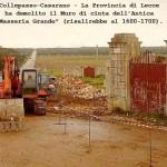 Foto del muro demolito pubblicata dal Forum Amici del territorio