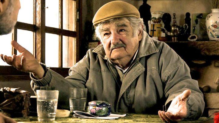 """Mujica e """"l'apologia della sobrietà"""": """"Chi accumula denaro è un malato. La ricchezza complica la vita"""""""